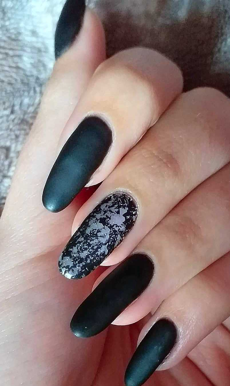26 Polished, Matte and Acrylic Black Nail Design Ideas Vol 1