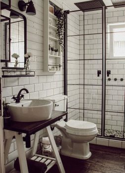 modern-and-rustic-remodel-ideas-for-the-small-bathroom-of-your-farmhouse
